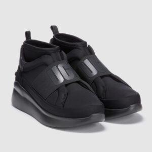ugg black 2