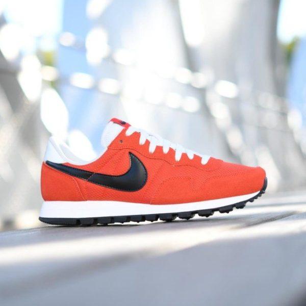 827921-800_AmorShoes-Nike-Air-Pegasus-83-naranja-Max-Orange-Logo-negro-black-off-white-827921-800-5-1-800x683