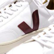 911x668_veja-v12-bastille-leather-extra-white--marsala-nautico-2