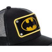gorra-trucker-negra-con-placa-logo-batman-batp5-dc-comics-de-capslab (1)